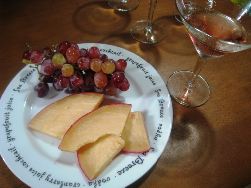 enteng_cheese-grapes-wine-02