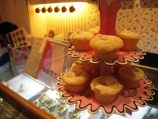 sweets-cupcakes-by-sonja-counter-022