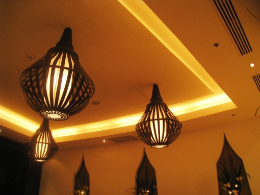 thai-at-silk-chandeliers-00