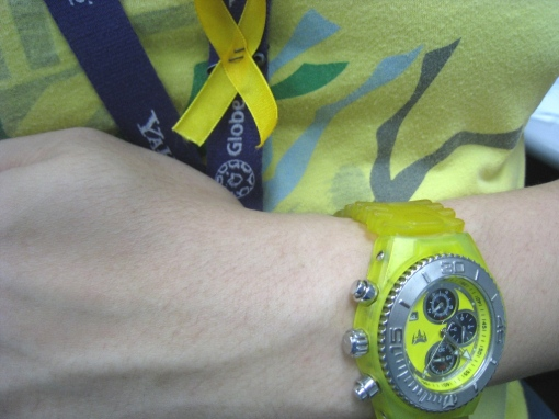 All yellow for Tita Cory 01