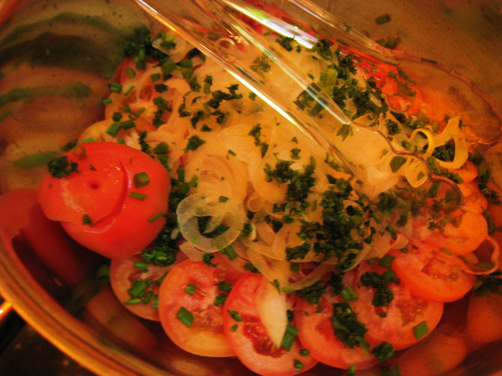 Complete Wedding Guide For Your Chinese Wedding - Ian marie wedding buffet 04 tomato onion salad
