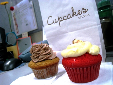 Cupcakes by Sonja - Peanut Butter Nutella & Red Velvet Vixen 00