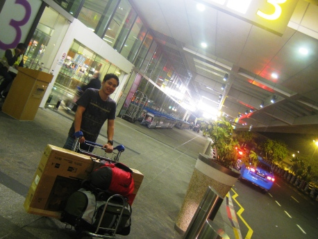 Darryl_Departure_01_T1_Arrival