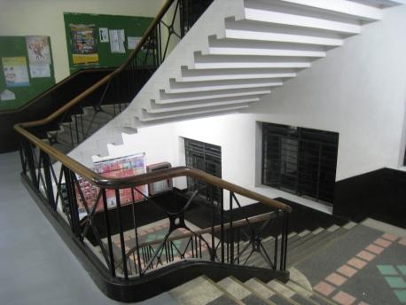 MIT_TNB_09_EECE_Stairs