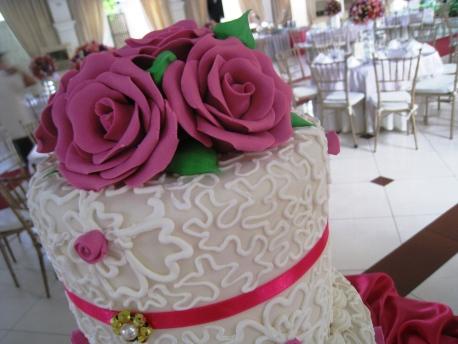 Sead_Mitzi_21_Wedding_Cake