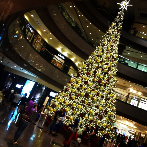 This year's Takashimaya S.C. Christmas Tree is brought to you by Cartier!  To me, Takashimaya's is arguably one of the best – if not the best – on Orchard Road.  Its lighting up is an event on its own.