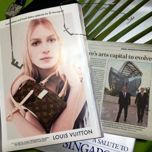"Frank Gehry's works dominate print media.  The Twisted Box monogram bag, which retails at US$ 4400, on a magazine ad, vis-à-vis Fondation Louis Vuitton, that ""spaceship"" that was dropped on to Paris.  Both of these are new testaments to Frank Gehry's status as a truly legendary architect – small– and big–scale."