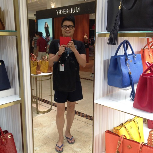 From one sport to yet another – shopping on Orchard Road!  Haha!  Gotta take a #selfie at the earliest convenience.
